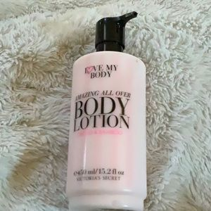 New in bottle! 🤩 Victoria's Secret body Lotion🤩